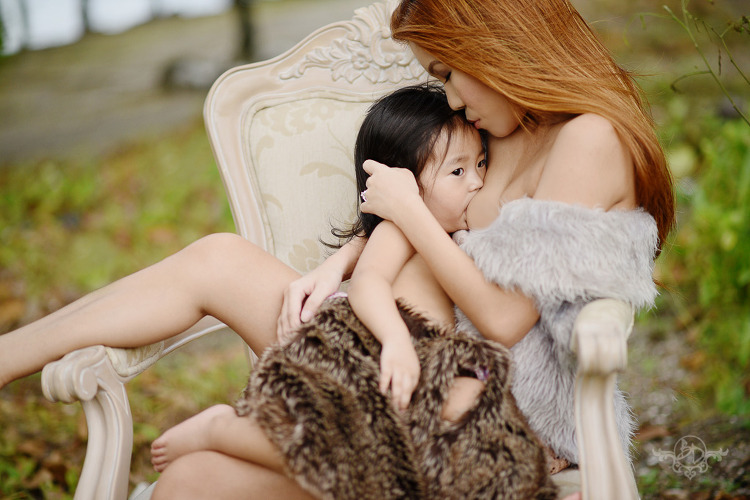 boudoir-breastfeeding-shoot-the-boudoir-dolls-breastfeeding-pinay-when-in-manila-philippines-1
