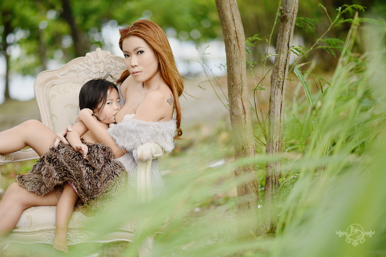 boudoir-breastfeeding-shoot-the-boudoir-dolls-breastfeeding-pinay-when-in-manila-philippines-2