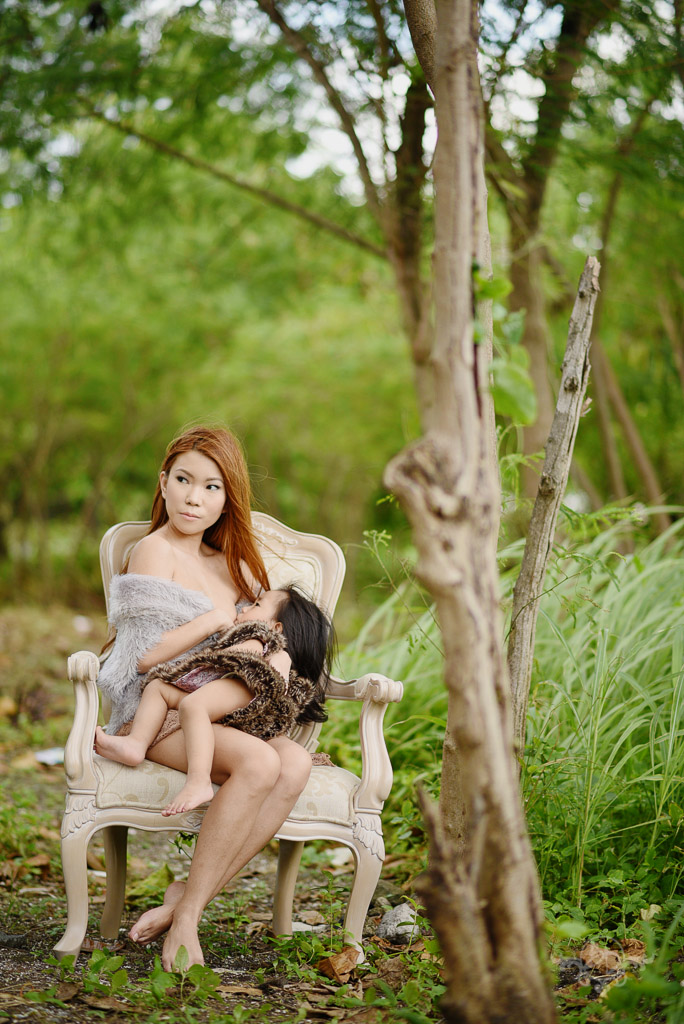boudoir-breastfeeding-shoot-the-boudoir-dolls-breastfeeding-pinay-when-in-manila-philippines-3